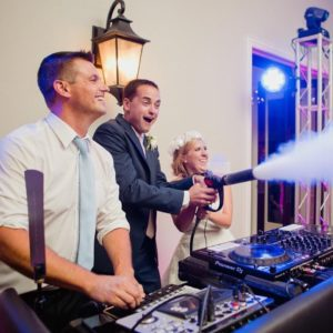Drew & Emilee jumped in the DJ Booth during their wedding at Dove Ridge Vineyard in Weatherford to blast their guests with the Cryo Gun. An awesome experience for hot, packed dance floors on summer nights!